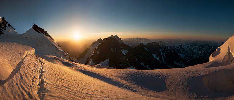 Рассвет над Катунским хребтомphoto preview