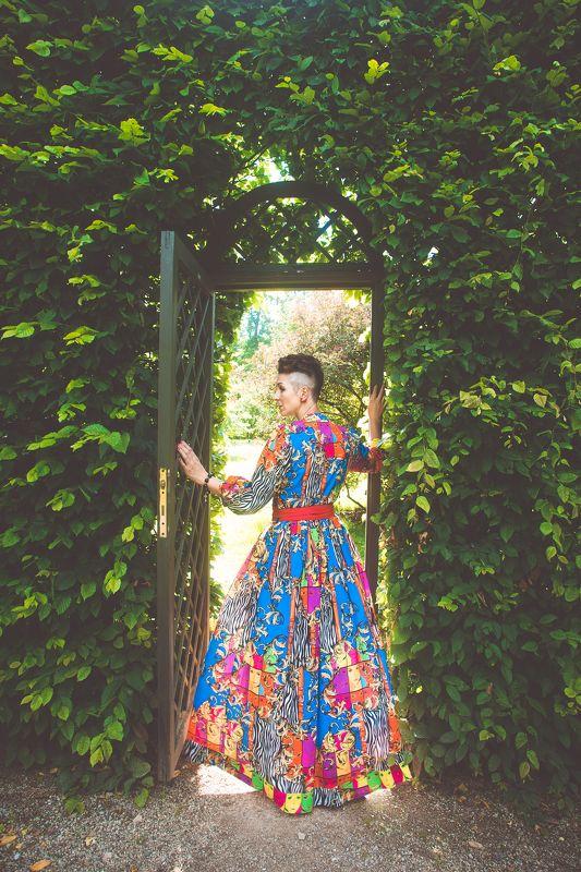 портрет женщина лето осень цвет платье стиль замок дворец  уходящее летоphoto preview