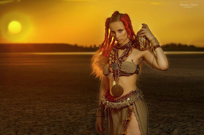 африка, солнце, пустыня, жара, красные волосы  Африкаphoto preview