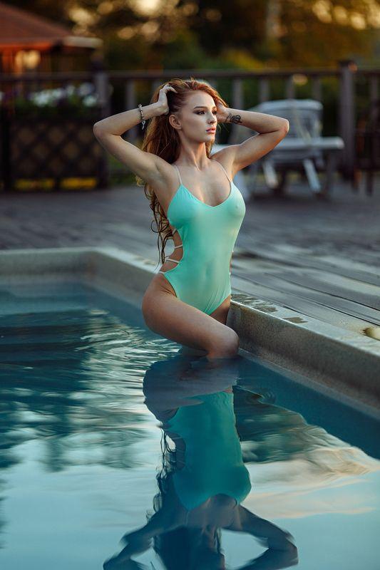 девушка, бассейн, купальник Екатеринаphoto preview