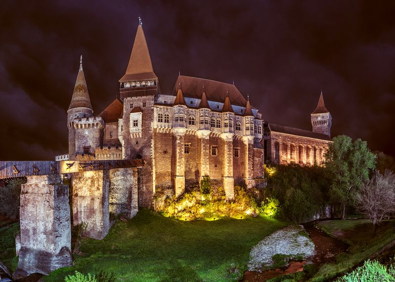 castelul corvinilor, замок корвинов, vajdahunyadi, трансильвания, castle, old castle Ночной замок Корвинов.photo preview