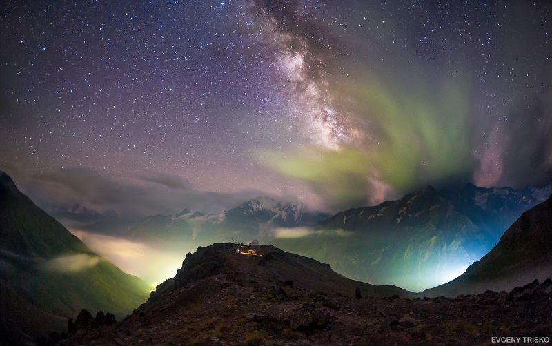 млечный путь, горы, звёзды, ночь, обсерватория, Кавказ   Обсерватория Пик Терскол photo preview