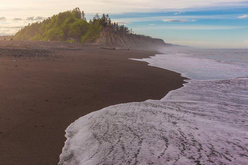 сахалин, остров, охотоморье, охотское море, сахалинская область, отлив, закат Пенный песокphoto preview