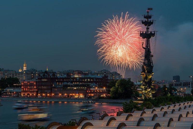 Москва, Moscow, ночь, река, салют, праздник, Петр Первый, день независимости Букет для Петраphoto preview