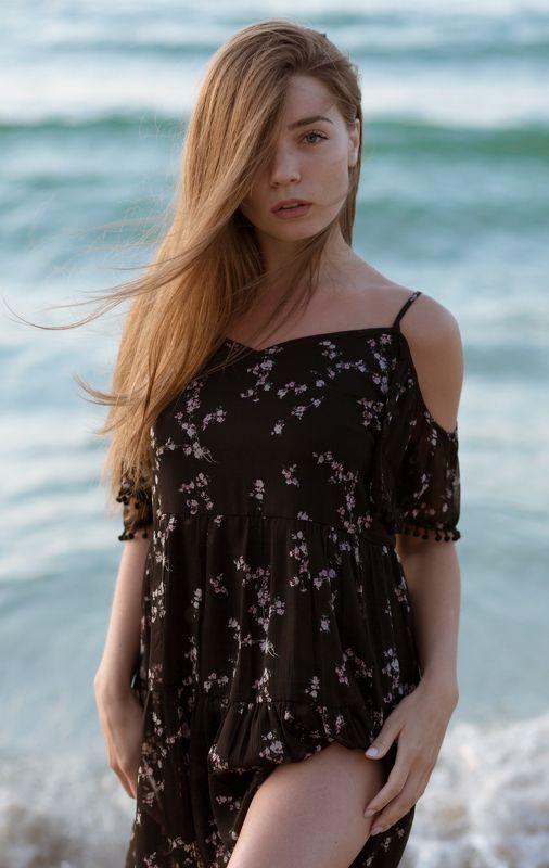 девушка, взгляд, глаза, рассвет, пляж, море, красота Ираphoto preview