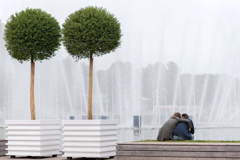 Москва, Moscow, пара, двое, деревья, парк, фонтан, близость Параphoto preview