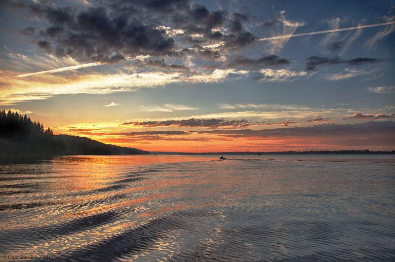 Кама,солнце,лодка,река,облака Июль.Закат над Камой.photo preview