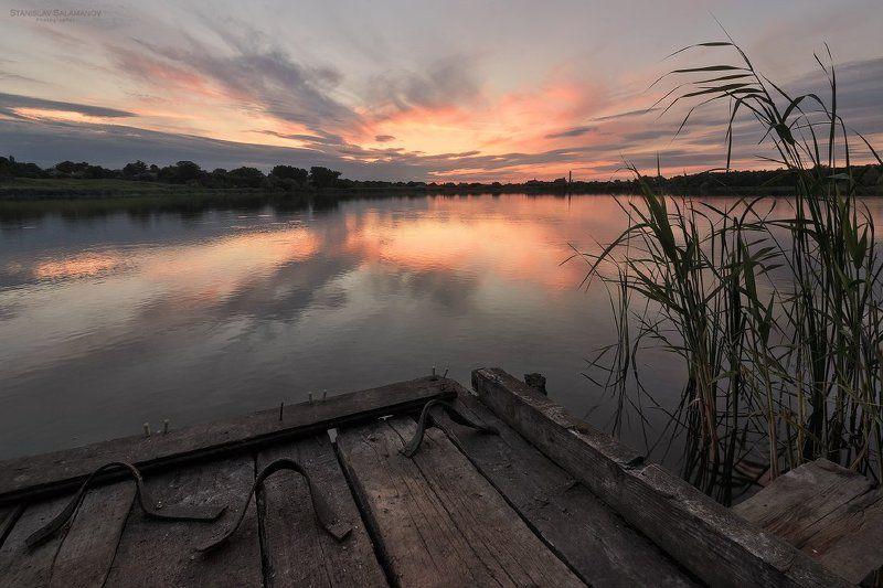 вечер, закат, тишина, отражения, облака, сижа, мостик, река, пруд, озеро, рыбалка, пейзаж Летний вечерphoto preview