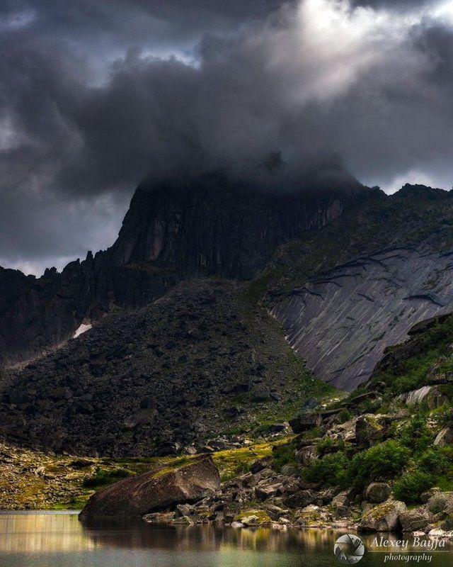 В свинцовых облакахphoto preview