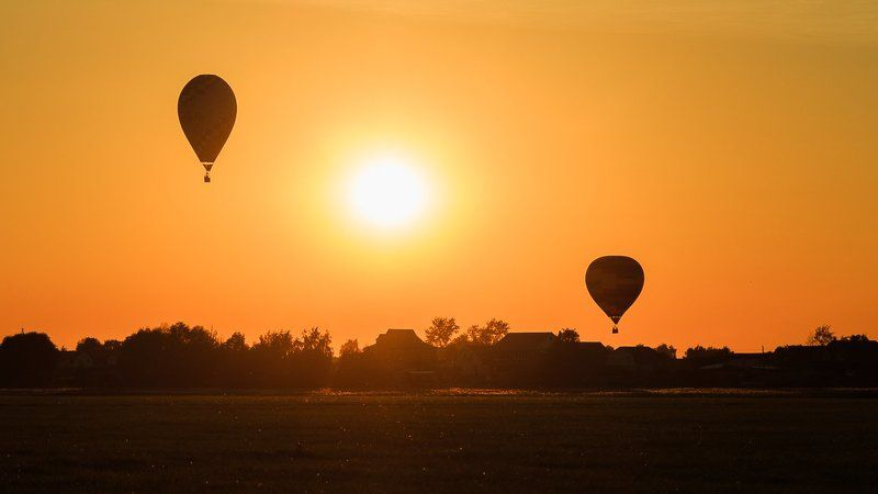 balloon,hot air balloon,air,sun,sky,summer,evening,sunset Peaceful harbourphoto preview