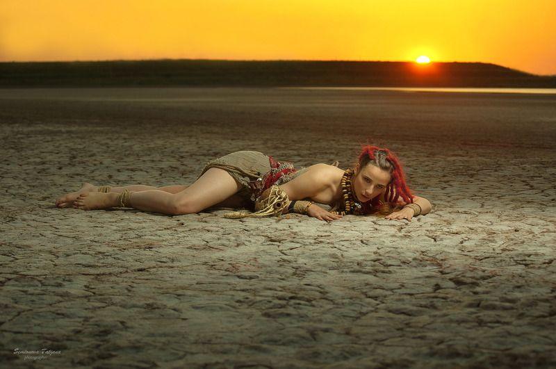 африка, солнце, племя, девушка, красные волосы, фэнтази  Африкаphoto preview