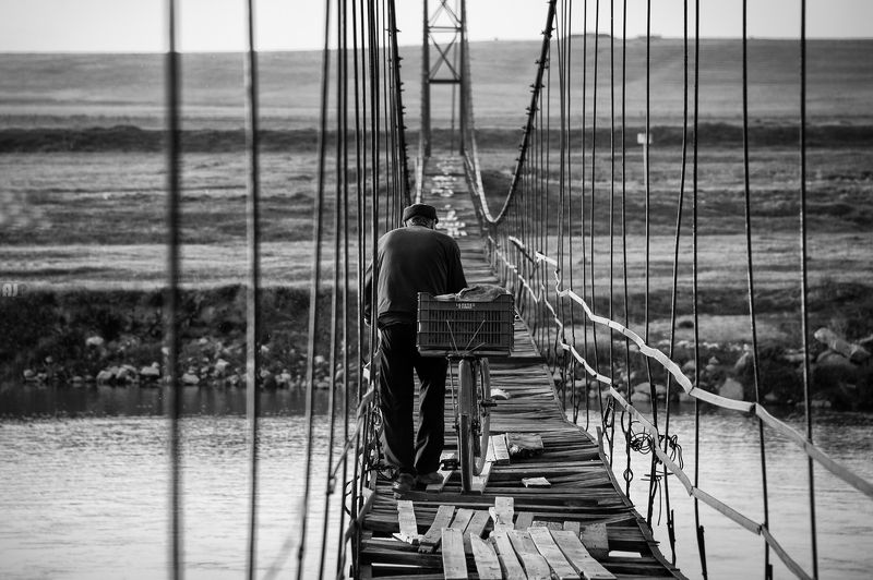 old, bridge, man, travel Alonephoto preview