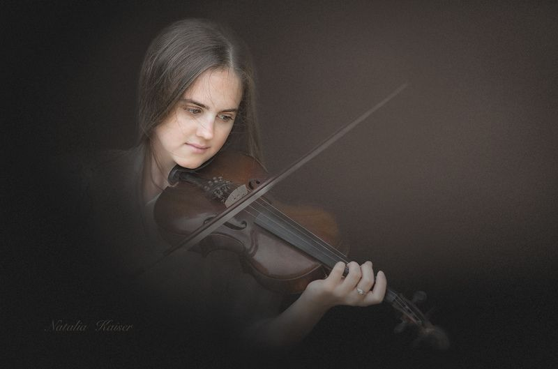 И звуки музыки,как легкий ветер..photo preview