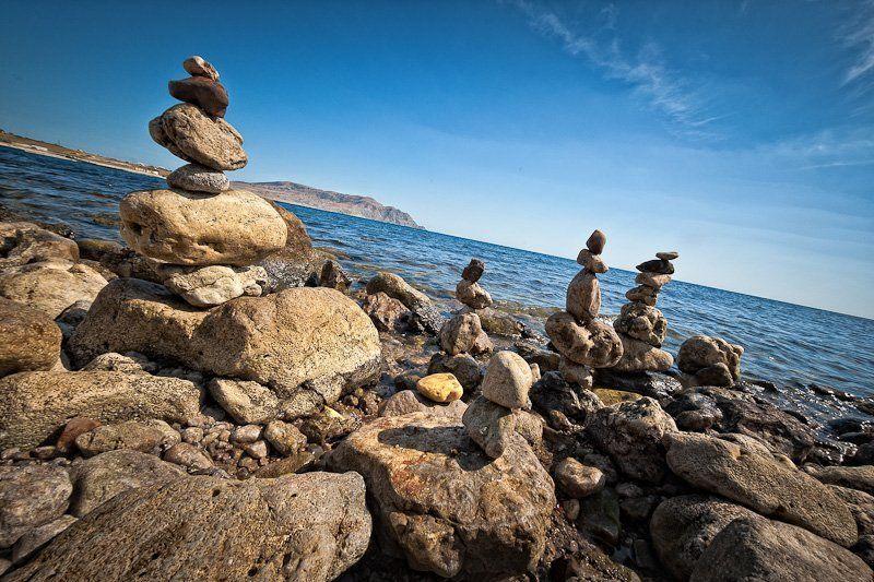 море, камни, пляж Пирамиды равновесияphoto preview