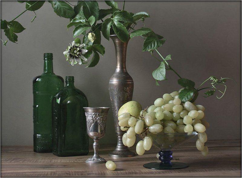 цветок пассифлоры,виноград С ПАССИФЛОРОЙphoto preview