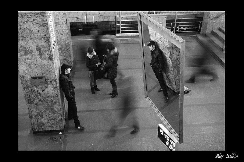 alex_belkin, alex belkin, алексей белкин, метро, метрополитен, собака в местро, поезда, пассажиры, прохожии, серия метро, эскаллатор Пассажиры метроphoto preview