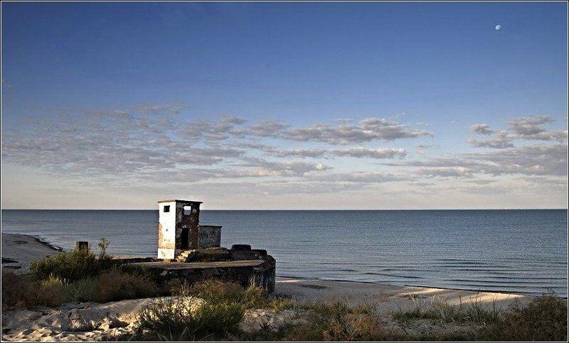 sea,baltic sea,klaipeda,kriepost, War and the seaphoto preview