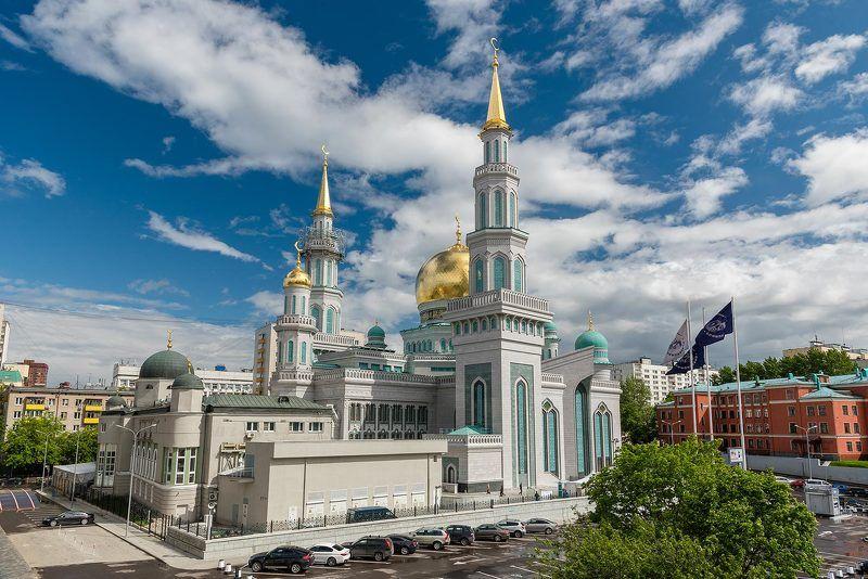 Москва, Moscow, здания, архитектура, мечеть, полумесяц, мусульмане, небо, облака Полумесяцы в полденьphoto preview