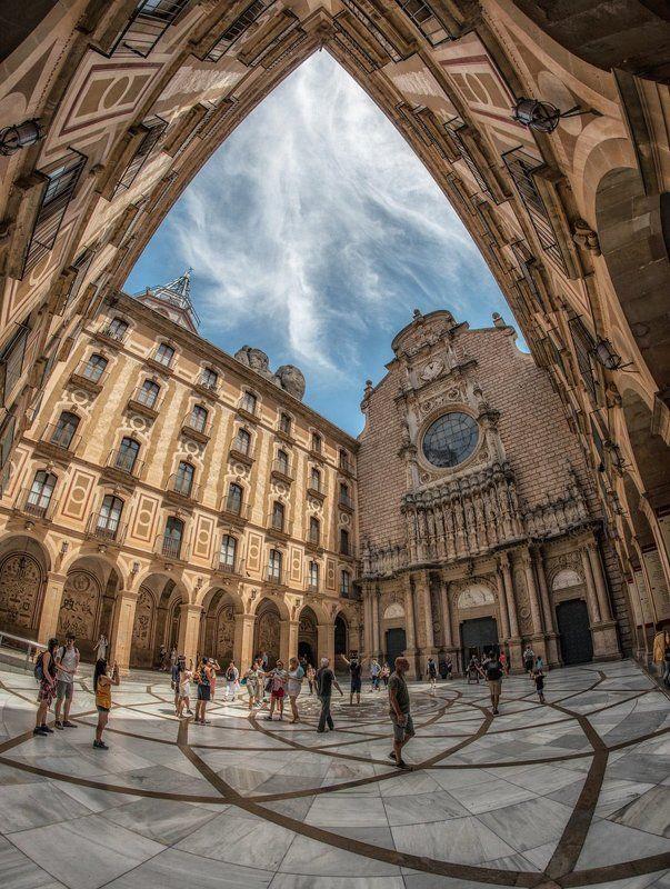 монтсеррат, каталония базилика Девы Марииphoto preview