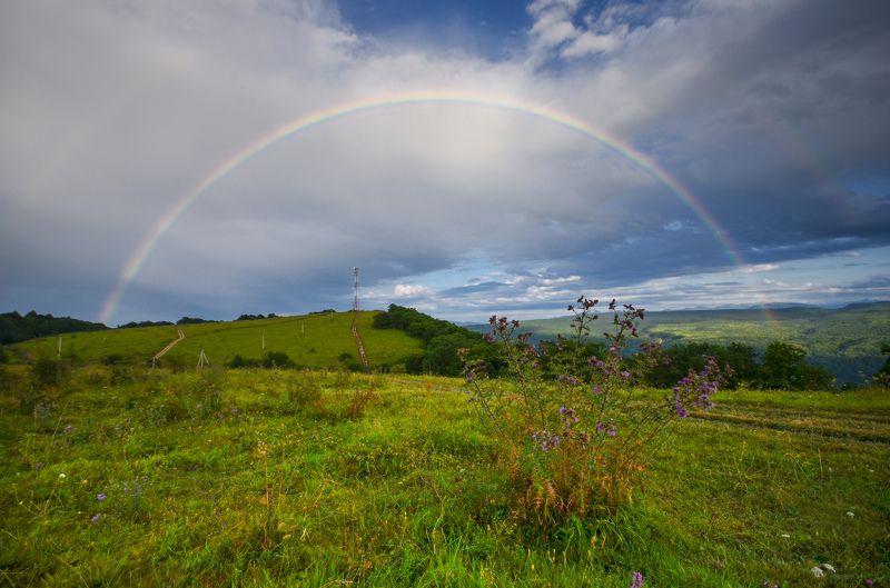 радуга,  горы, дождь След дождяphoto preview