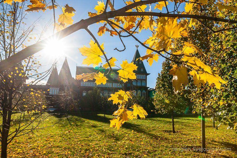 коломенское, москва, осень, золотая, небо, пейзаж Дворец и осеньphoto preview