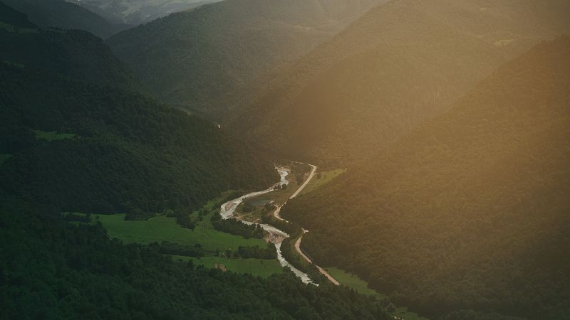 пейзаж, природа, горы, река, дорога, склон, Кавказ, свет Два путиphoto preview