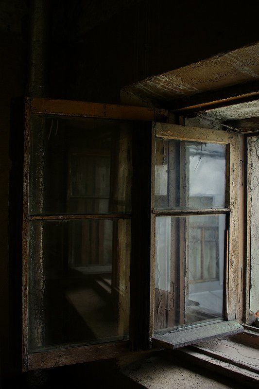 #deep.spb, #deepspb, #санктпетербург, #петербург, #спб, #питер, #saintpetersburg, #petersburg, #spb, #piter, #город, #city, #street, #streetphoto, #streetphotography, #cityscape, #urbex, #urbexphoto, #urbanexploration, #abandoned, #steps, #door, #window 170831-1photo preview
