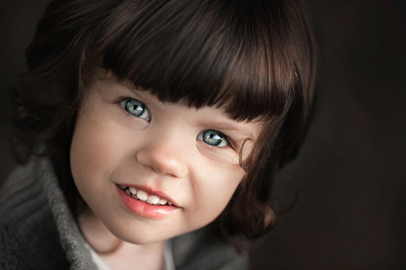 ребенок девочка глаза взгляд красота портрет Софияphoto preview