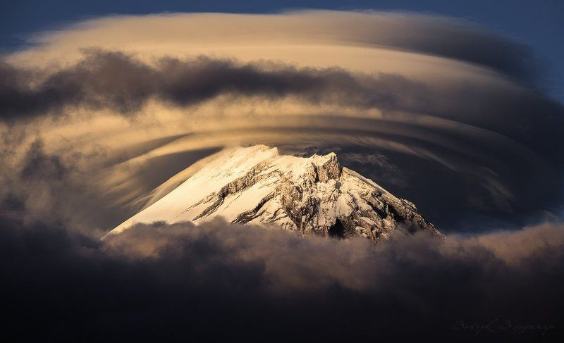 вулкан, камень, камчатка, вершина, лентикулярное, облако, горы Вулкан Каменьphoto preview