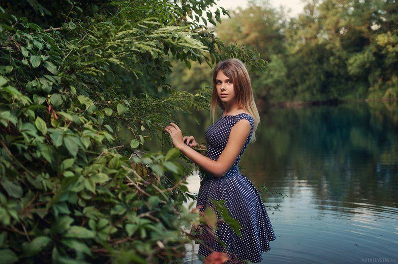 озеро, вода, модель, листья, кусты, деревья, платье, вечер ***photo preview
