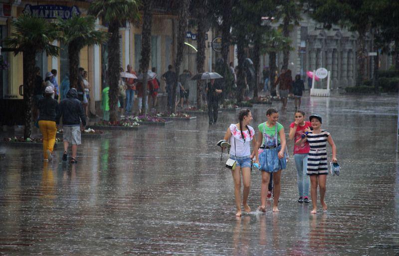 Дождь в Ялтеphoto preview