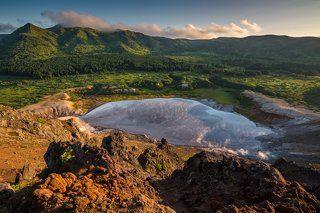 Кипящее озеро кальдеры