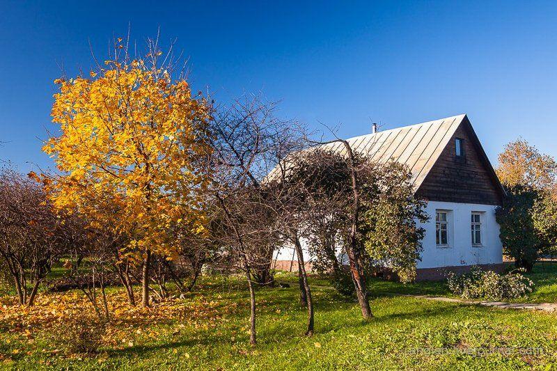 коломенское, москва, осень, золотая, небо, пейзаж Деревня в городеphoto preview