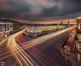 Гостиный двор, Невский проспект, Садовая улица