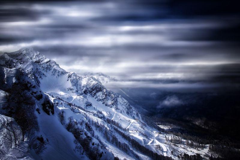 Дорога в горахphoto preview