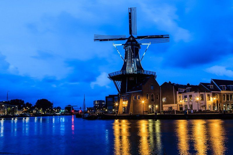 windmill,city,river,water,sky,clouds,lights,night,evening,cityscape Haarlemphoto preview