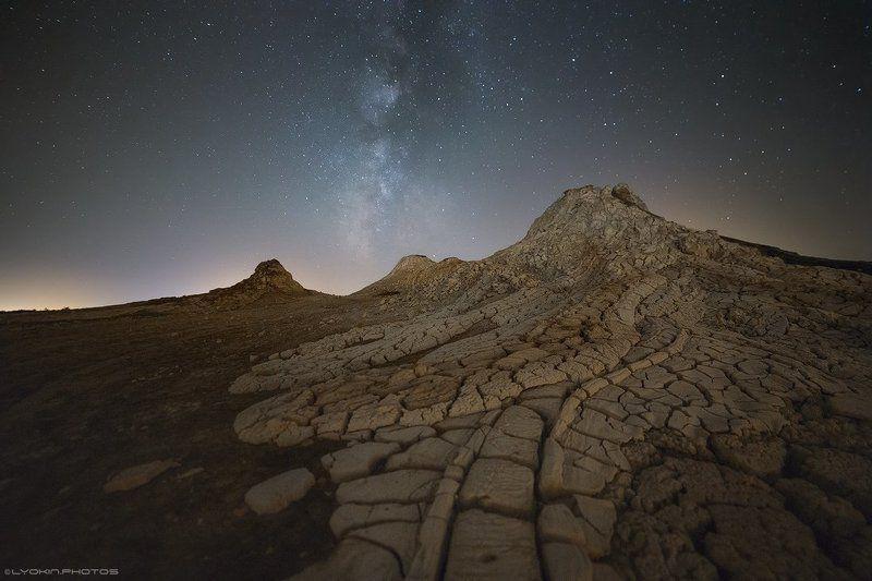 Инопланетный пейзаж вулканов Гобустанаphoto preview