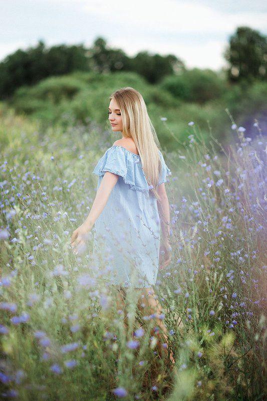 модель поле девушка портрет цветы блондинка 500px Сашаphoto preview