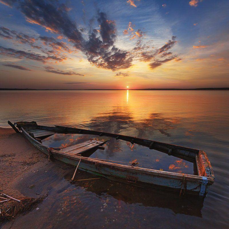 закат, лодка, озеро Завтра была Осеньphoto preview