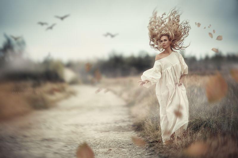 портрет девушки жанр осень ветер ...photo preview