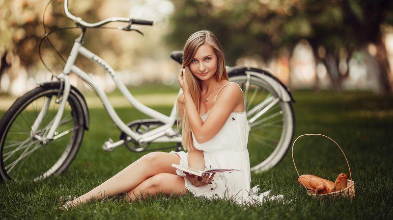 девушка, портрет, велосипед, природа ...photo preview