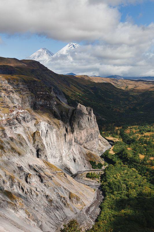 камчатка, вулканы, каньон, горы, осень, облака, россия, ключевская Граниphoto preview