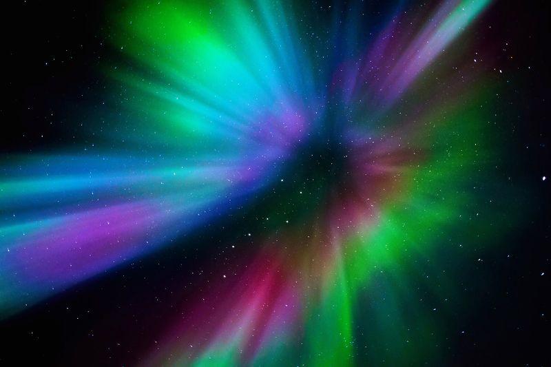 сияние, полярное сияние, аврора, корона, небо, звезды, цвет, ночь, зима, север, заполярье, полярный круг Коронаphoto preview