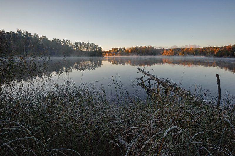 осень,утро,берег,река По спящим берегам гуляет осень /2photo preview