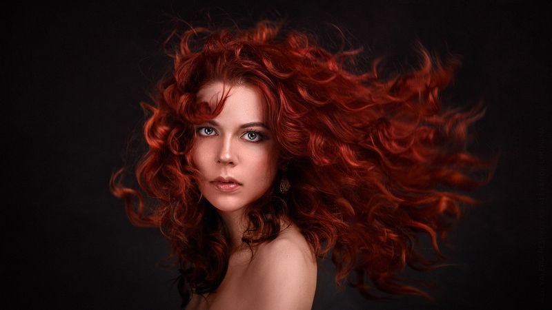redhead portrait headshot redhair hair wave fly hair рыжая портрет рыжеволосая волосы волны летящие Red Alertphoto preview