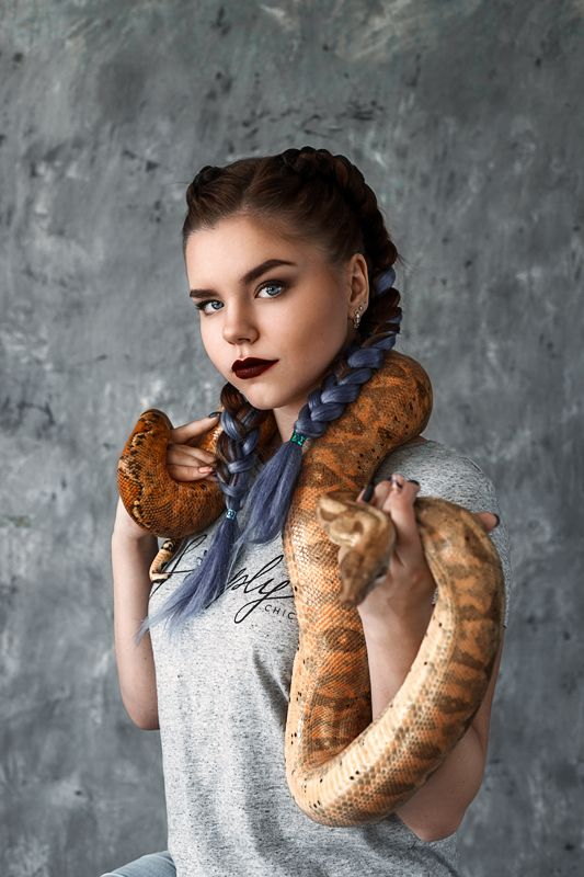 змея,  портрет, девушка,  ..photo preview