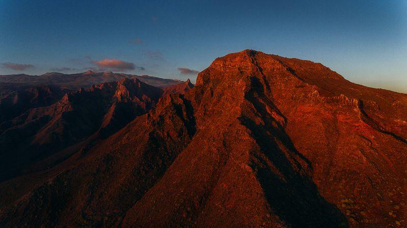 горы, вулкан Красные горыphoto preview