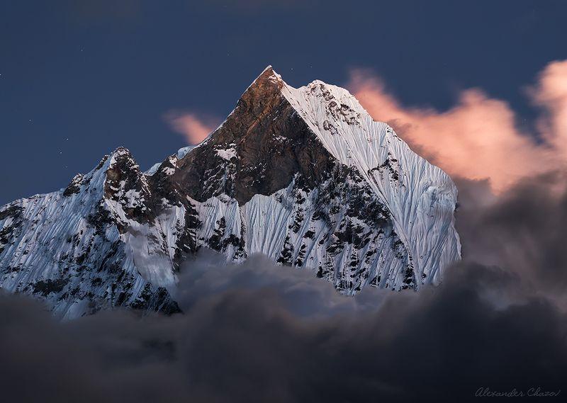 Мачапучаре, Гималаи, Непал, горы, вершина Непокореннаяphoto preview