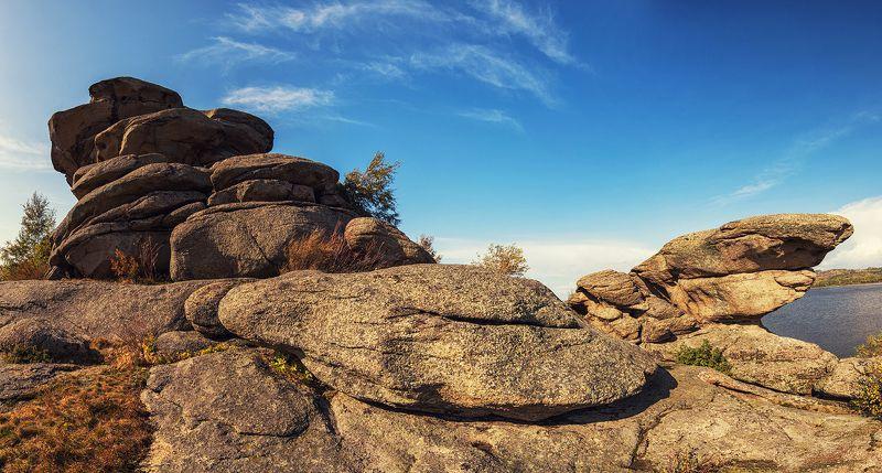 колывань, алтай, алтайскийкрай Причудливые береговые каменные фигуры Колыванского озераphoto preview