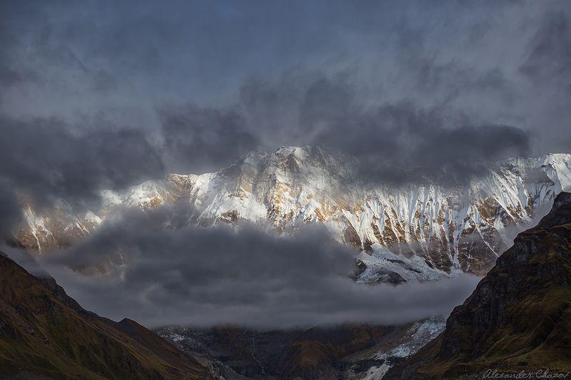 гималаи, горы, вершина, облака, непал, аннапурна Южная стена Аннапурныphoto preview